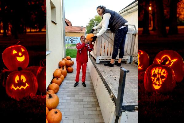 top-pumpkinparade-1.jpg
